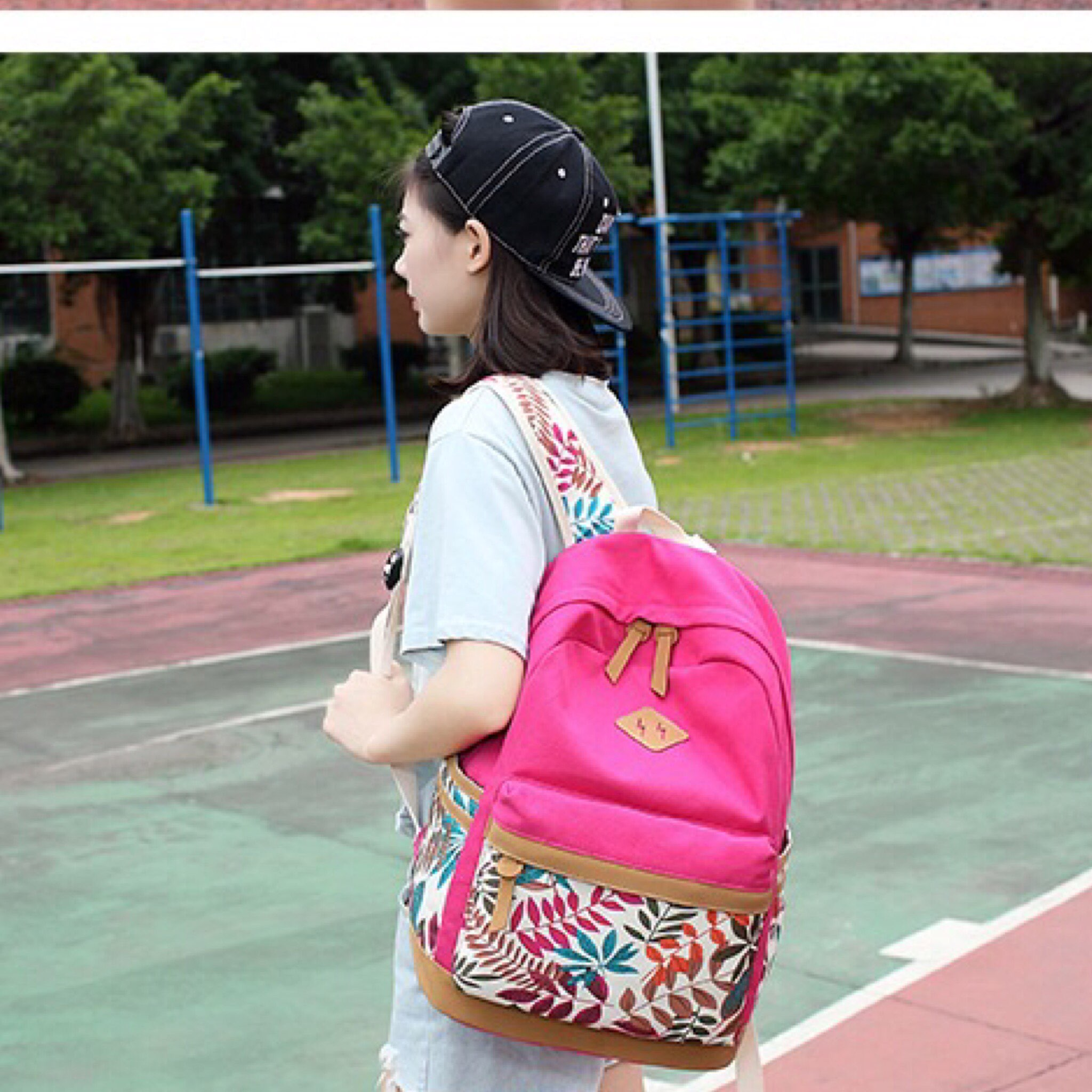699050c70028a حقيبة ظهر بناتي باك باق أزهار - روز أحمر